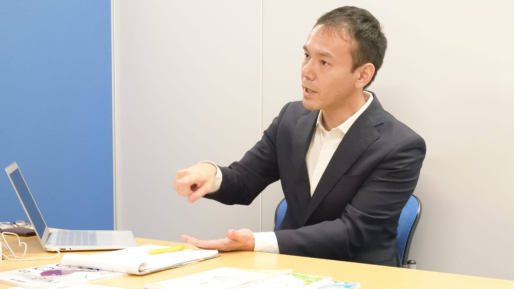 thumnail:株式会社トモノカイさまの事例取材風景